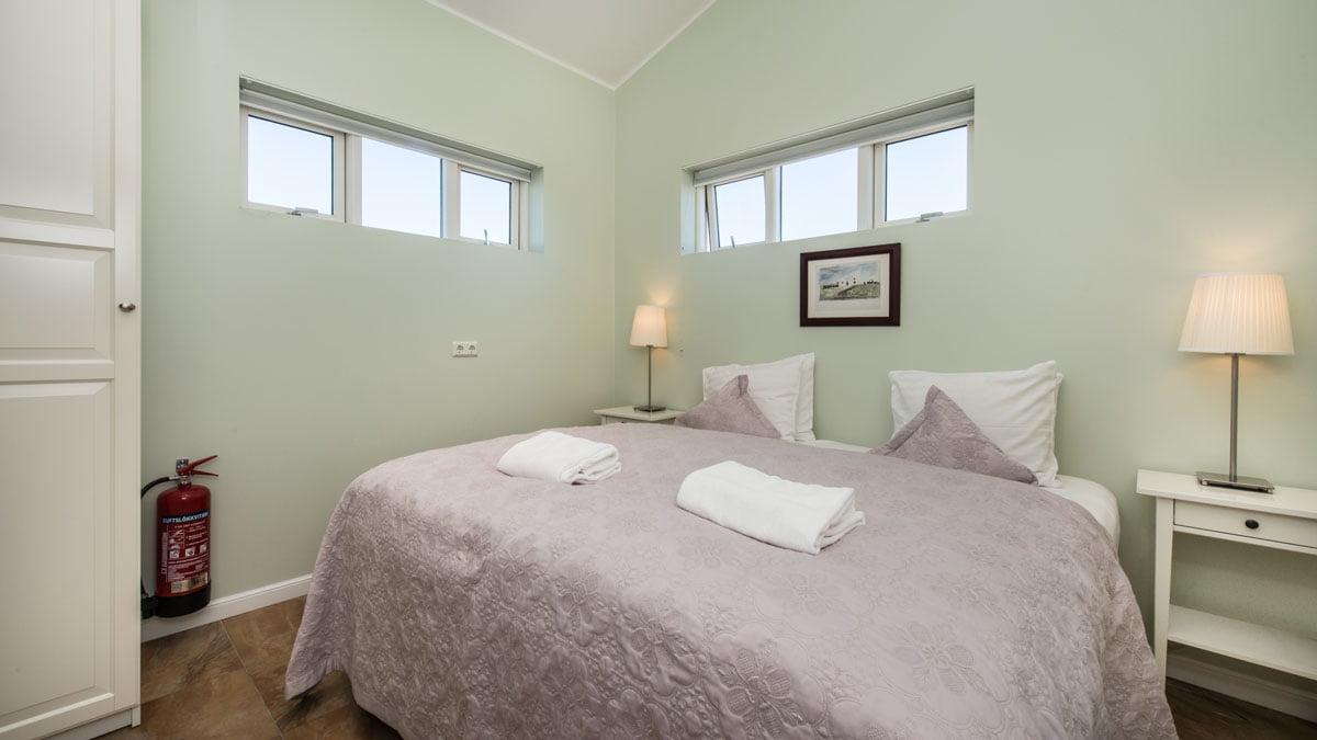 apartment two bedrooms hotel grimsborgir